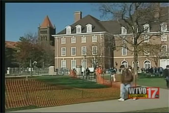 University of Illinois Considers Tuition and Housing Cost Increase_4282134977374605077