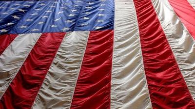 American-flag-hanging-down-jpg_20151111162903-159532