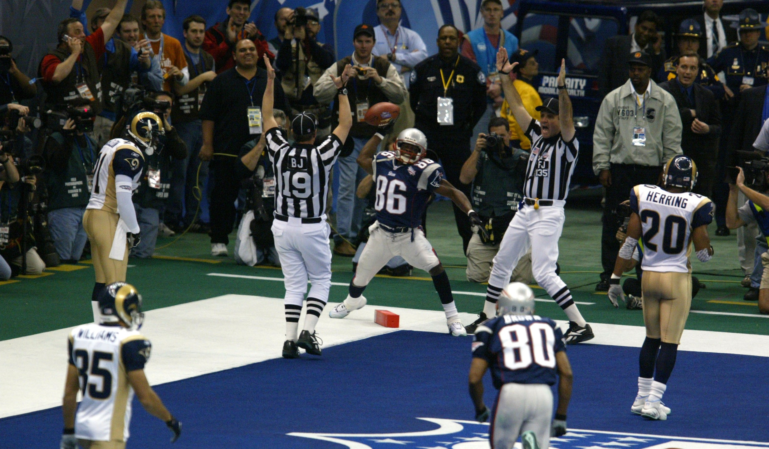 5301021P SUPERBOWL XXXVI  X_1449853369661