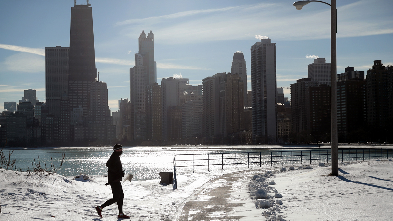 Cold%20Weather%20Chicago_1481971427935_166062_ver1_20161217105910-159532