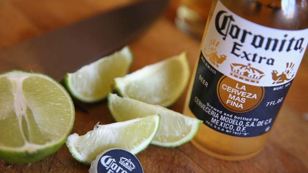 Resultado de imagen de Nearly 40% of beer-drinking Americans won't buy Corona due to coronavirus