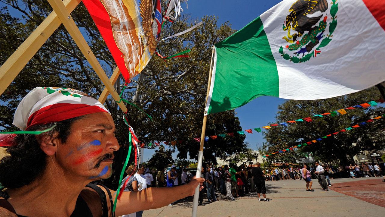 Cinco de Mayo celebration in Los Angeles42745328-159532