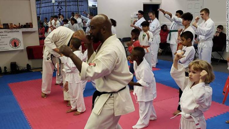 190104094336-karate-studio-exlarge-169_1546633945794.jpg