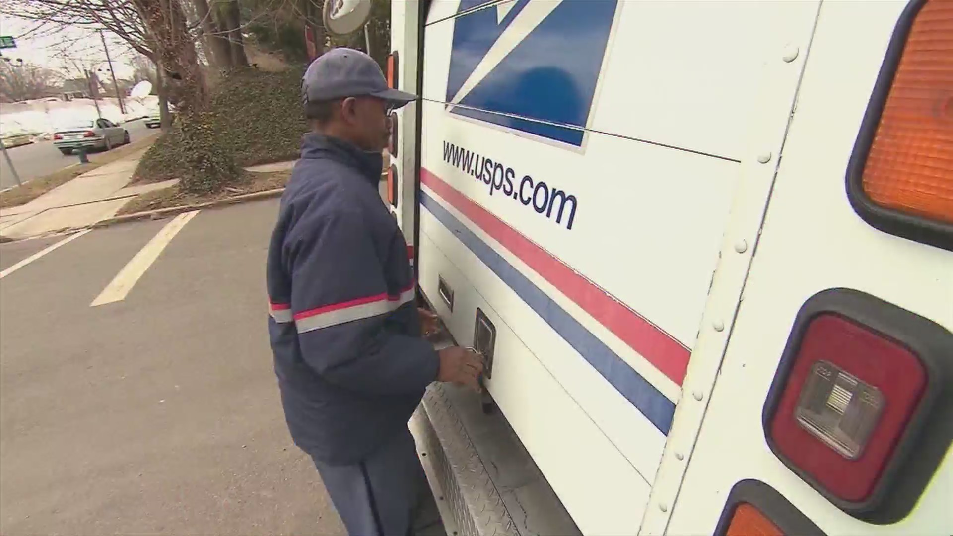 USPS_says_packages_must_be_sent_by_Thurs_0_20181217230805