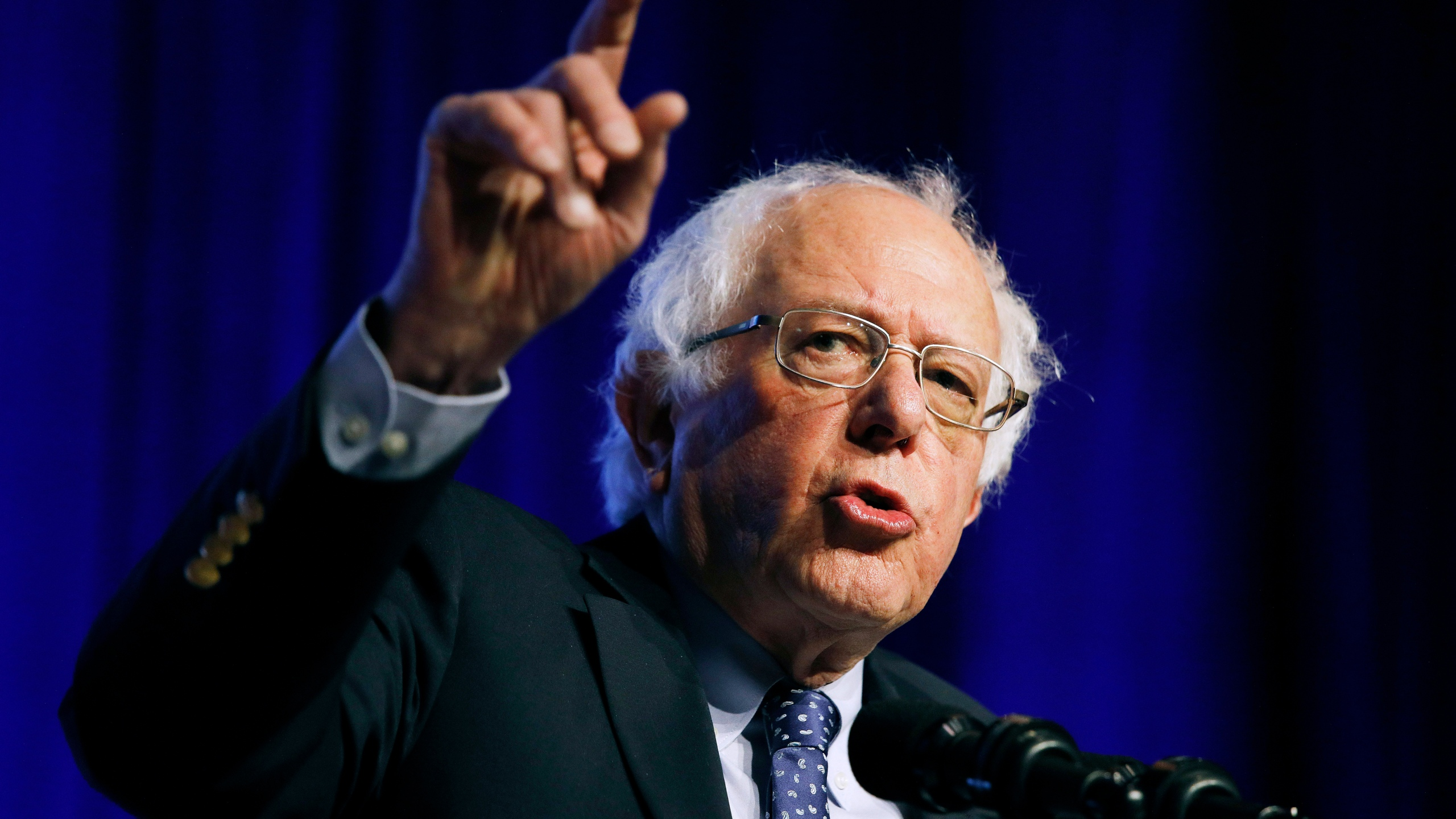 Sanders starts Midwest campaign swing with Wisconsin rally