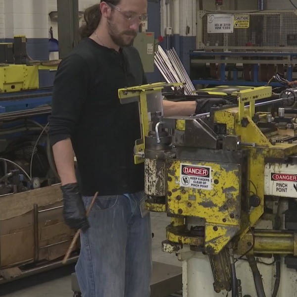 Rockford's Leading Edge Hydraulics expanding, looking for new workers