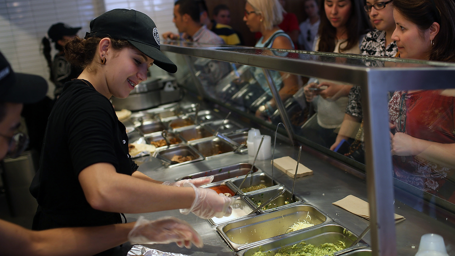 Chipotle assembly line-159532.jpg66149184
