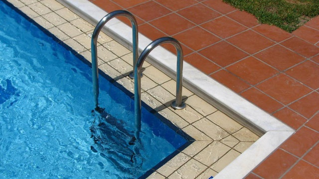 Swimming pool_2082250237819056-159532