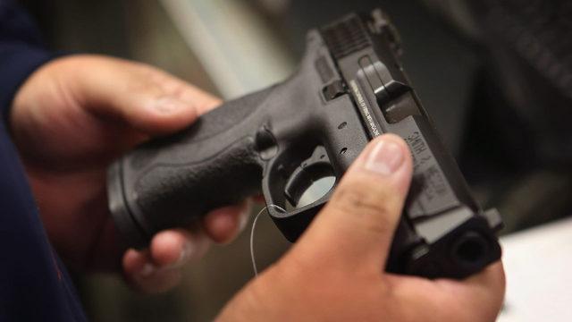 man holding handgun_1488227112558_204633_ver1.0_640_360_1523392526947.jpg.jpg