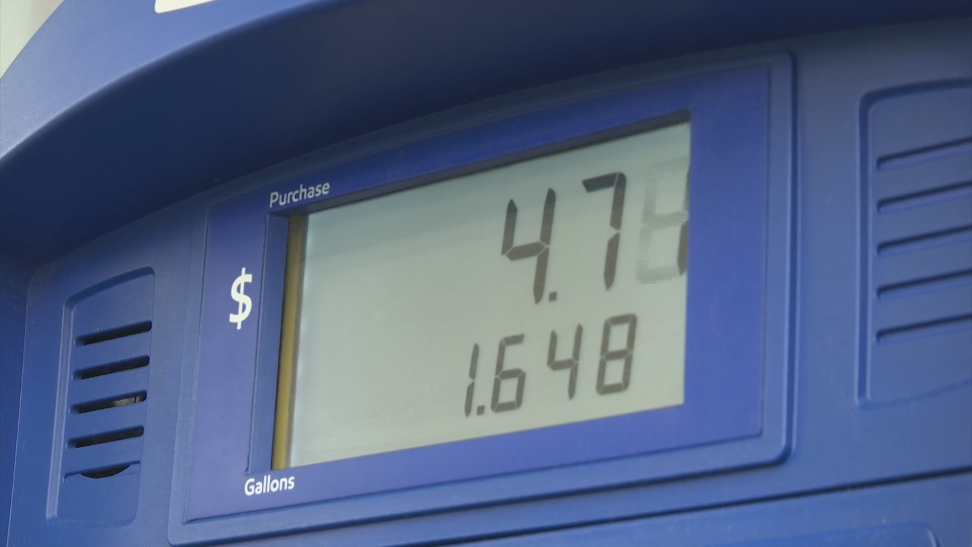 Illinois drivers brace for new gas tax hike and increased
