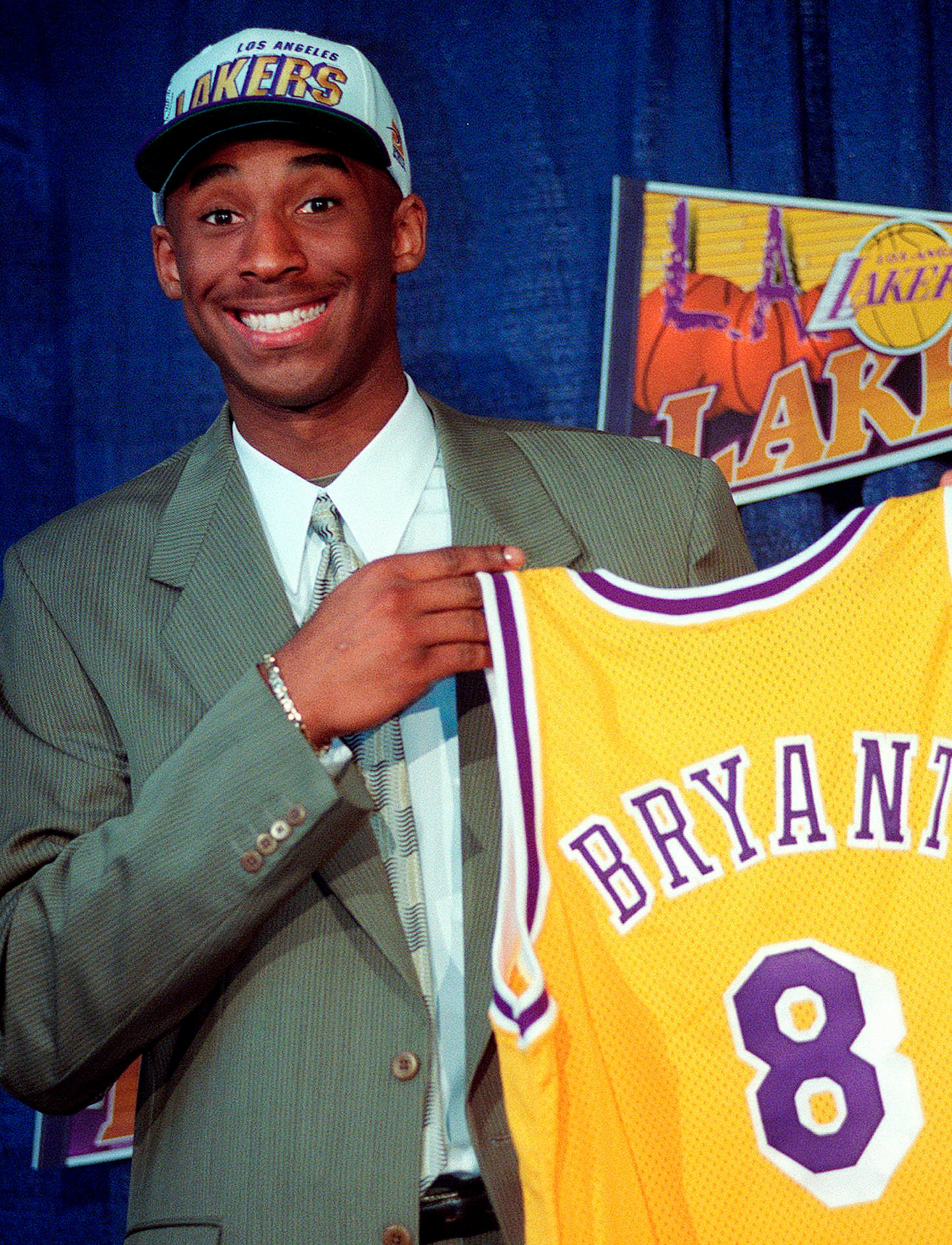 BRYANT LAKERS HORNETS