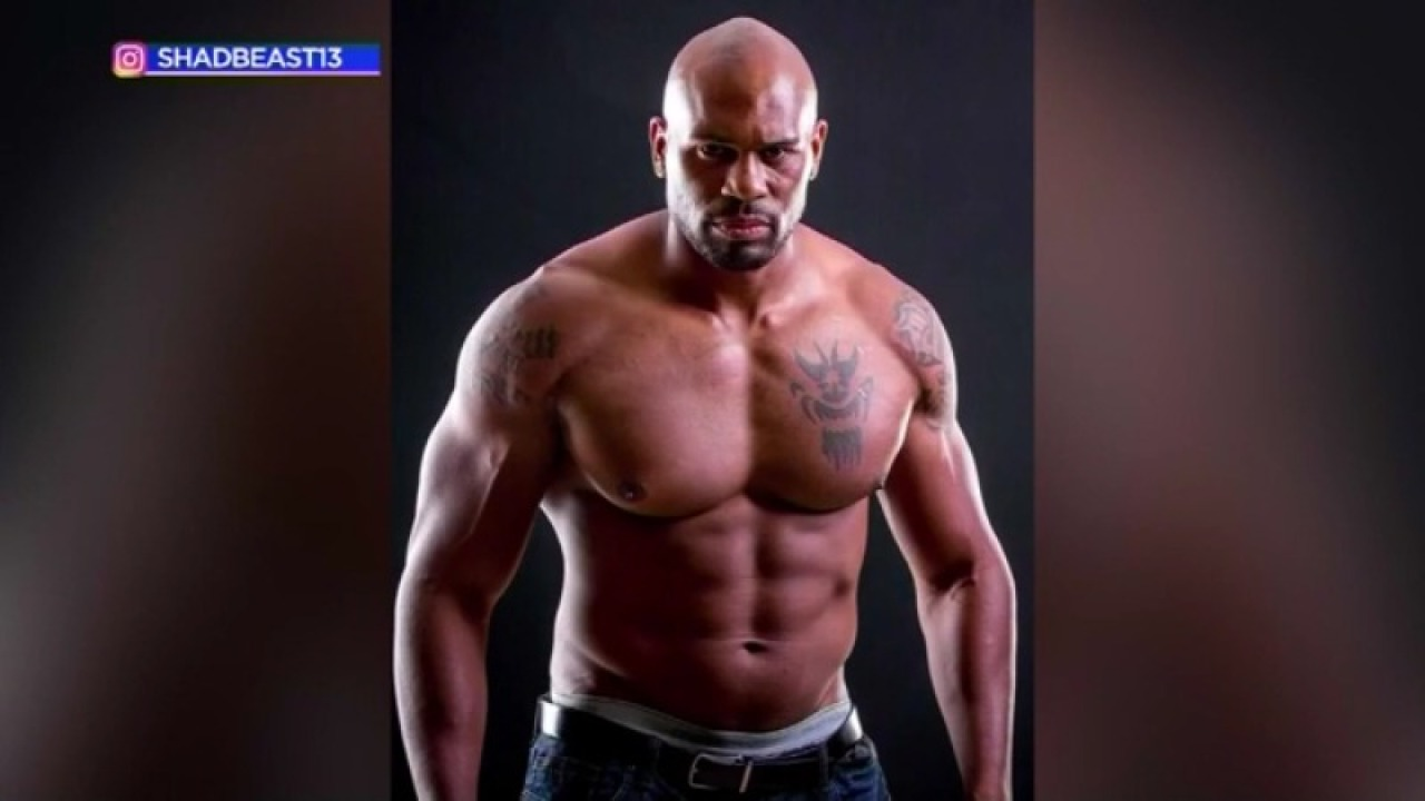 Former WWE star Shad Gaspard and son missing after being swept out to sea while swimming thumbnail