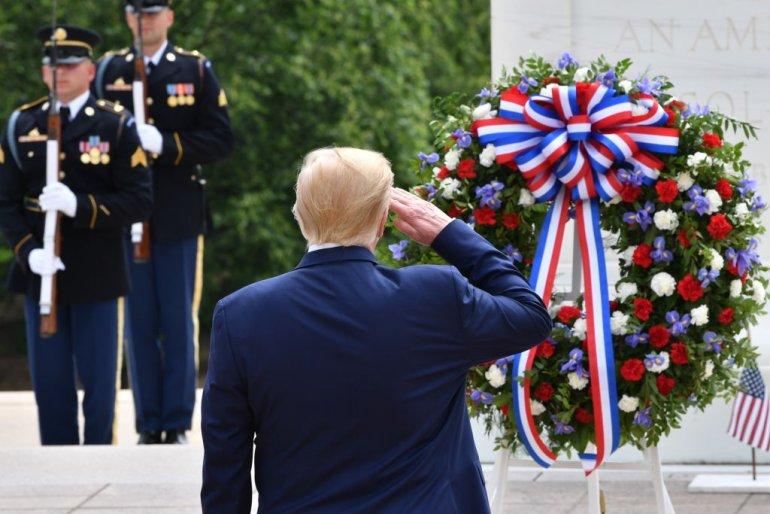 Arlington Cemetery Christmas Wreath Laying 2020 President Trump lays Memorial Day wreath at Arlington National